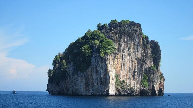 Bida Nok Phi Phi Thailand Day Trip With Aussie Divers Phuket