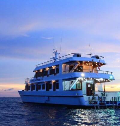Hallelujah Sunset Liveaboard Similan Islands Phuket Thailand Best