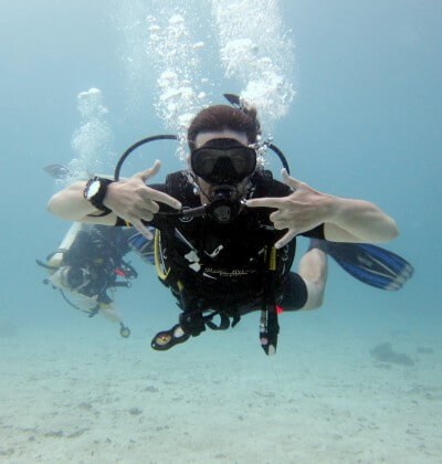 Hanging Lose Learn To Scuba Dive Best Padi Aussie Divers Phuket Racha Yai