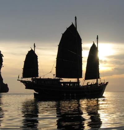 The Junk Liveaboard Scuba Diving Phuket Thailand Best Boat At Dusk Similan Islands Richelieu Rock