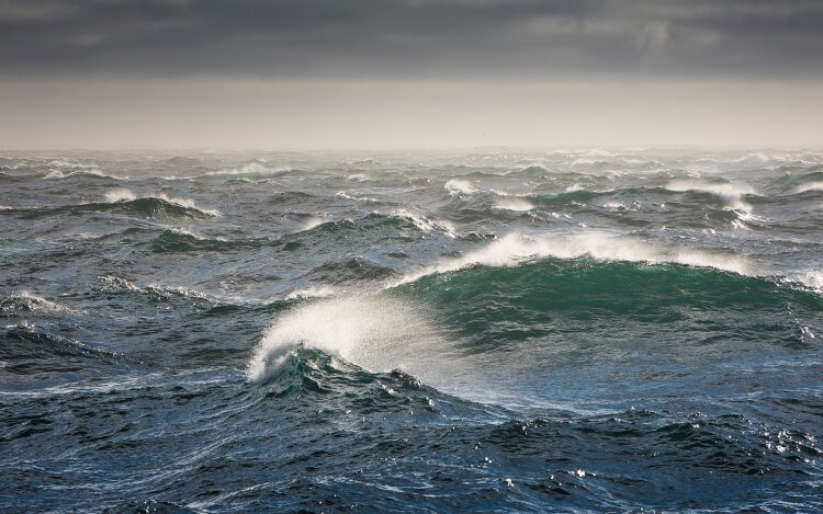Rough Sea Scuba Diving Phuket Waves Wind Safe