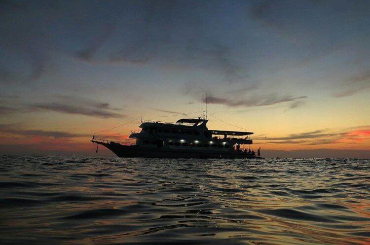 MV Pawara Similan Islands Liveaboard Sunset
