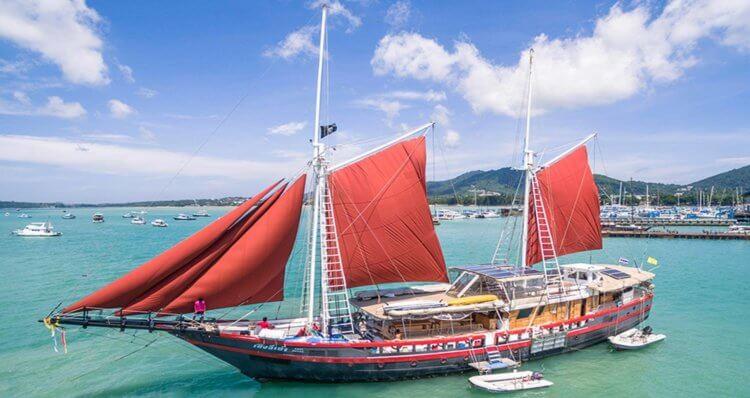 MV Phisini Similan Island Liveaboard Boat