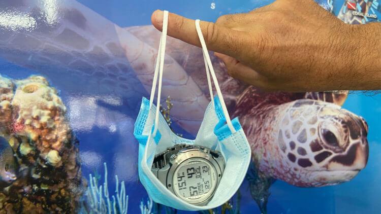Face Mask Computer Holder Aussie Divers