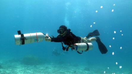 Extra Tank PADI Sidemount Course Aussie Divers