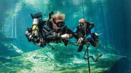 PADI Tec Sidemount Image Aussie Divers