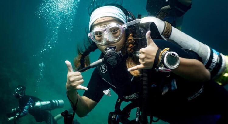 Enjoying The Dive Aussie Divers