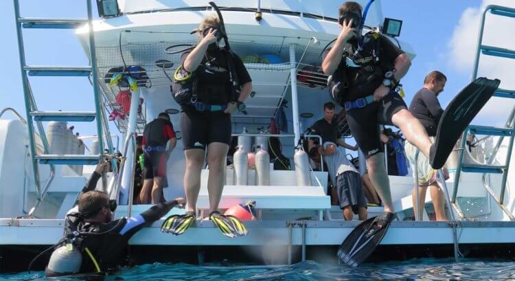 Giant Stride Aussie Divers Phuket