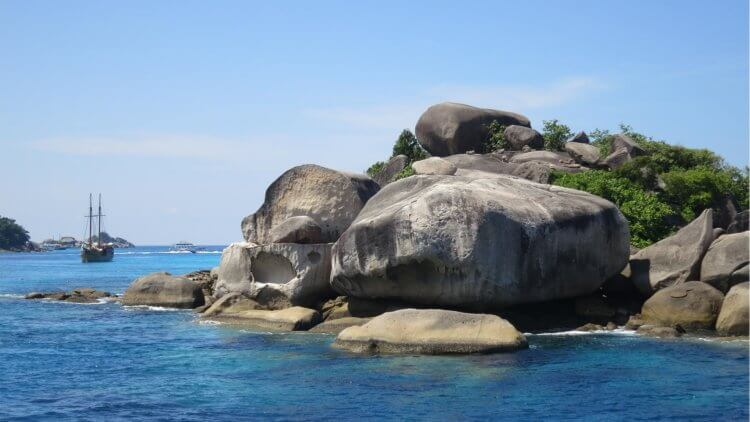 Island 5 Similan Islands Liveabords