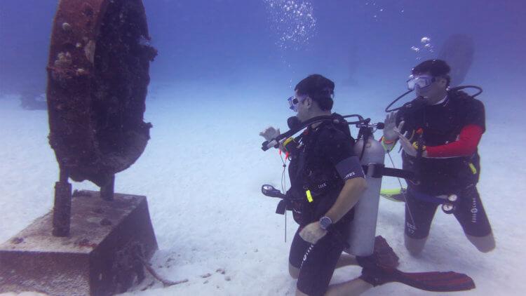Monument Bay Similan Islands Aussie Divers