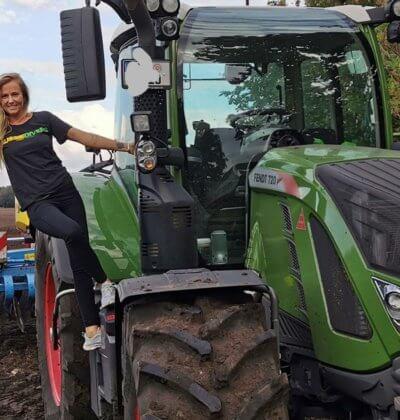 Lara Farmgirl Germany Aussie Divers